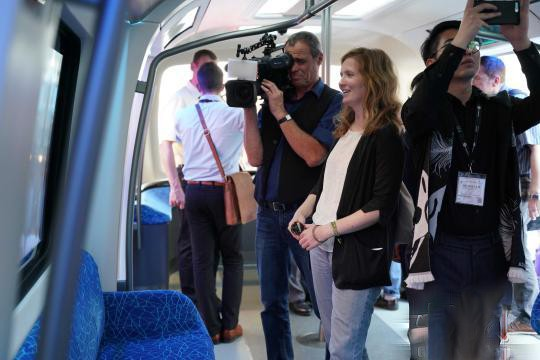 China CRRC launches a new generation of lightweight carbon fiber subway vehicles